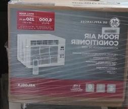 GE 250-SQ FT WINDOW AIR CONDITIONER WITH REMOTE  AEL06LX